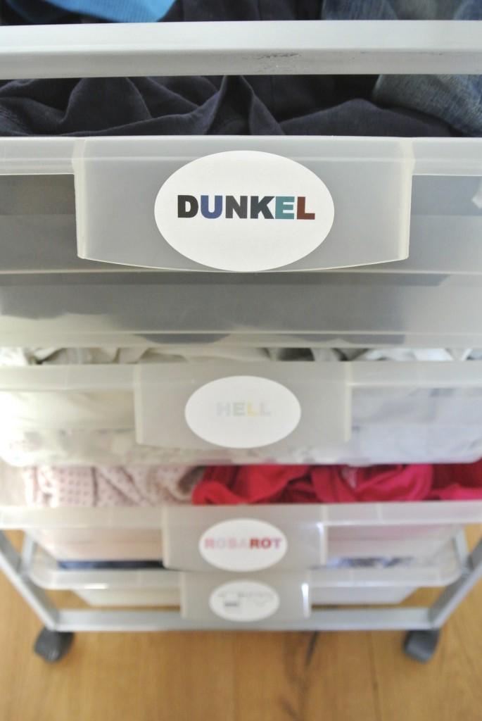 Wäsche nach Farben sortiert 2