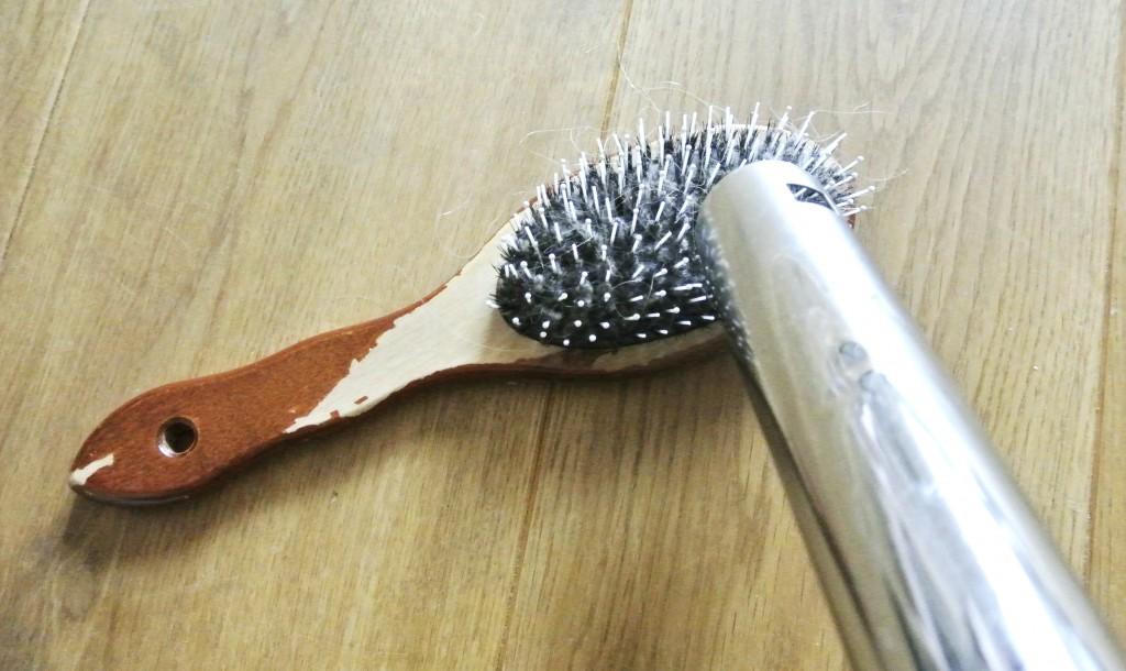 Haarbürste reinigen