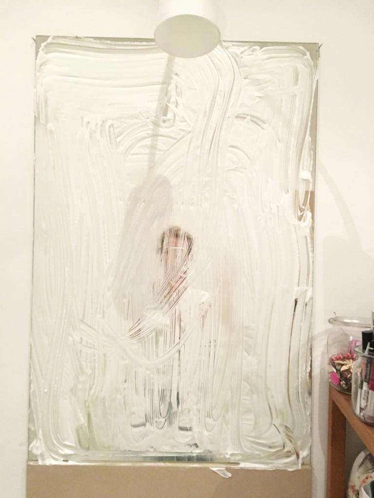 Spiegelputzen mit Rasierschaum - so verschmiert dein Spiegel garantiert | Rosanisiert
