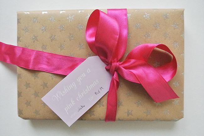Hol dir die schönen kostenlosen Geschenkeanhänger zum Ausdrucken auf Rosanisiert - dem Blog über Ordnung, Putzen und Glamour #schoninordnung #freeprintable