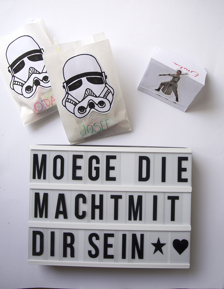 die star wars party unsere geburtstagsfeier mit ferrero kinder schokolade rosanisiert. Black Bedroom Furniture Sets. Home Design Ideas