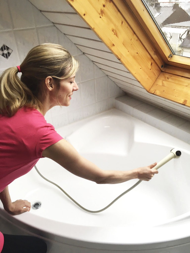 Badewanne putzen - die besten Tricks von Rosanisiert - Ordnung für Unordentliche