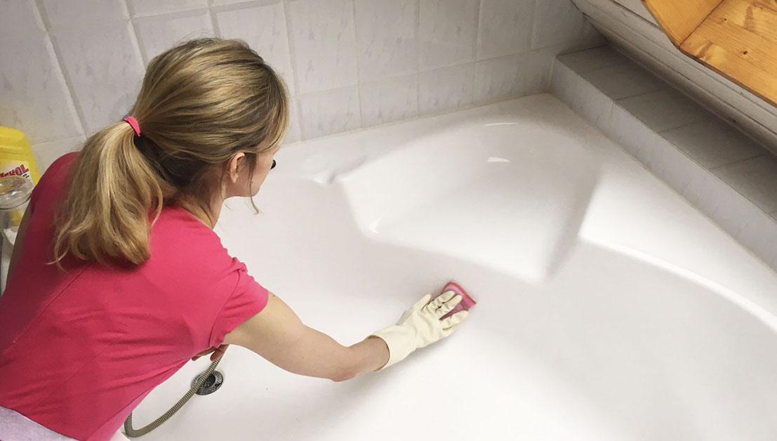 badewanne putzen die besten tricks rosanisiert. Black Bedroom Furniture Sets. Home Design Ideas