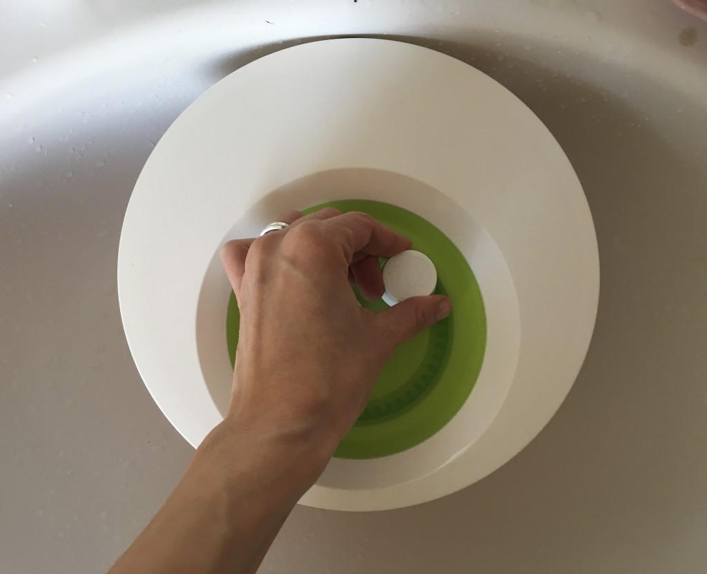 Dessous waschen mit der Salatschleuder| Rosanisiert- Ordnung für Unordentliche