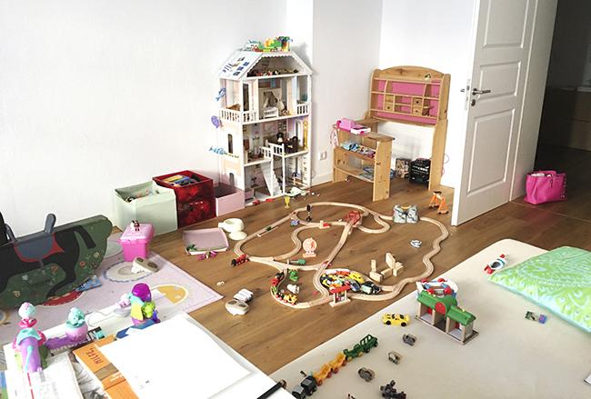 Die besten Aufräumspiele für Kinder - so wird das Kinderzimmer ganz ...